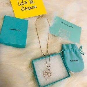 Authentic Tiffany and Co necklace with pendant